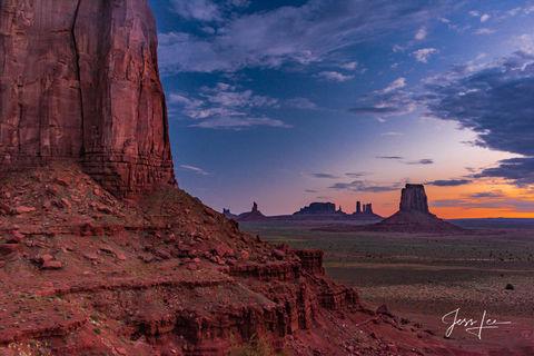Sunrise in Monument Valley in Arizona