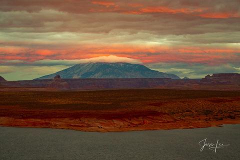Sunset on the Navajo desert in Arizona.