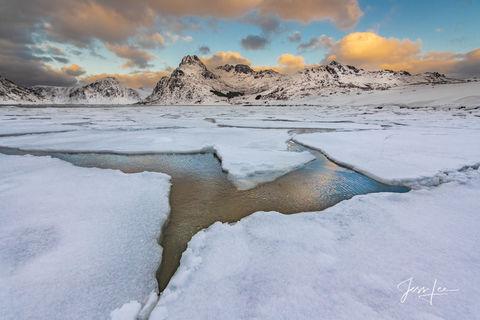 A break in an ice sheet in Lofoten, Norway