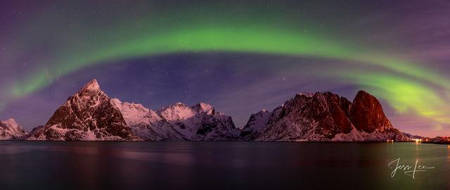 Arctic Aurora Arch