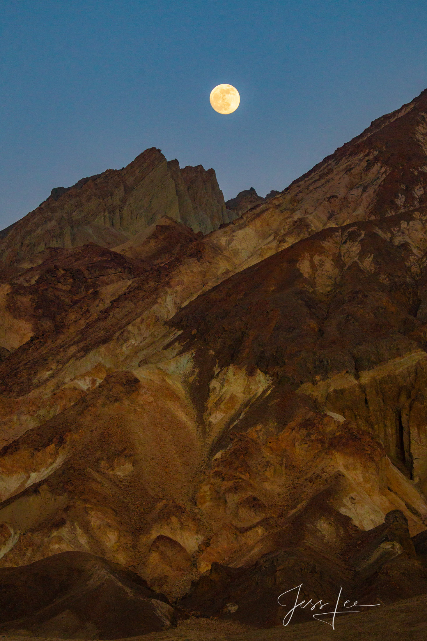 Dark Gold moonrise