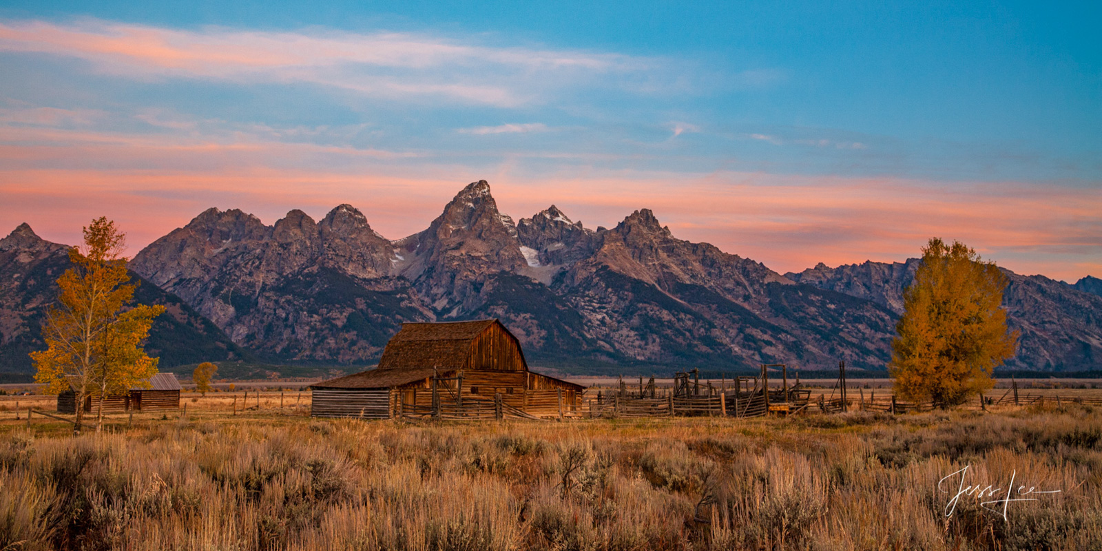 photo of barn in Grand Tetons in Wyoming, Jackson Hole, ranch, farm, old building, fall, autumn colors, wildlife, trees, landscape photography, fine art, print, jess lee, artist, photographer, limited, photo