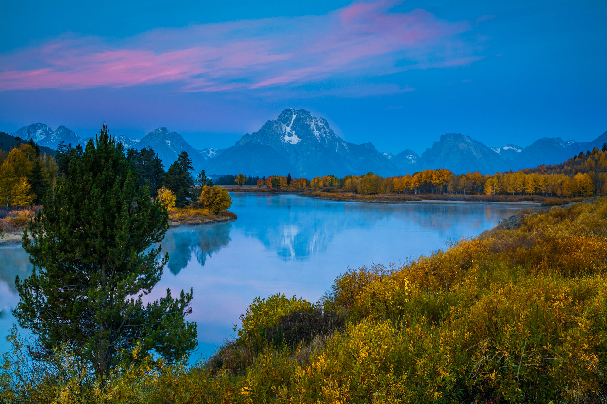 photo of Oxbow Bend in Wyoming, National Park photography, Grand Tetons, Jackson Hole, landscapes, autumn colors, reflection, Snake River, snow, sunset, mountain range, limited edition, high quality p, photo